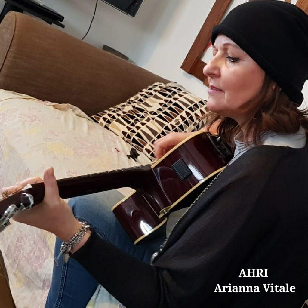 arianna vitale è una cantautrice e musicista